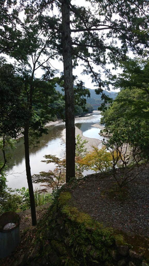 清姫の墓からみる富田川