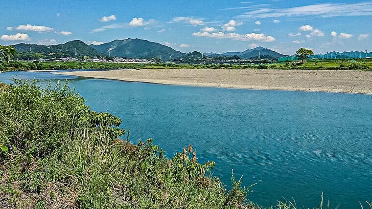 道成寺の近くを流れる日高川